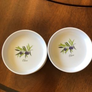 Set of 8 Plastic Olive Oil Dipping dishes